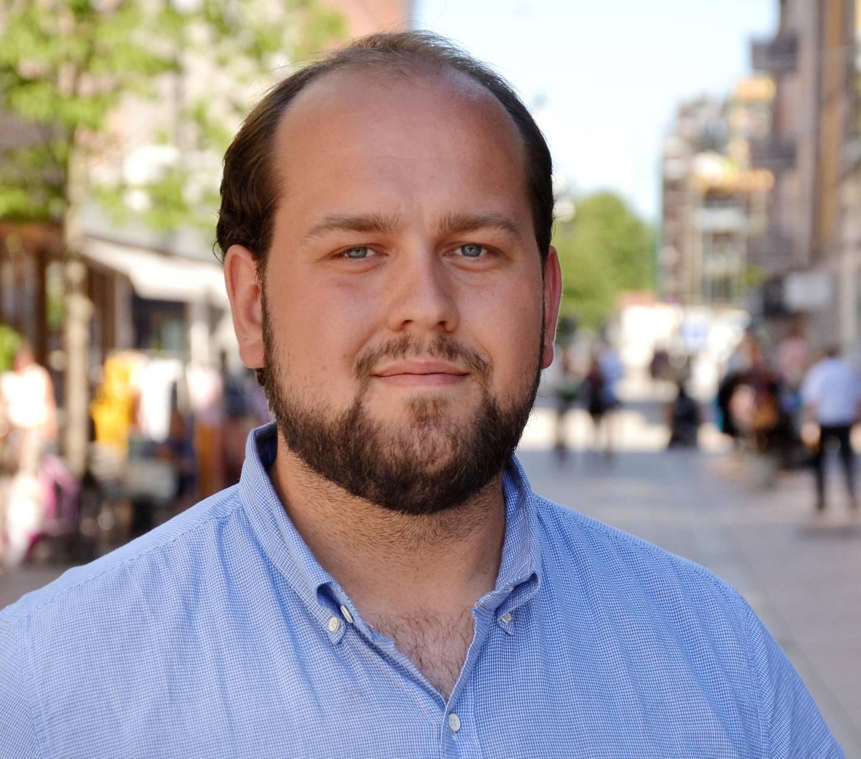 Simon Nordanger reagerer på debattnivået Jon Helgheim tillater på sin facebookside.