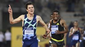 Jakob Ingebrigtsen trekker seg fra Bislett: Ikke grunn til å frykte OL-trøbbel
