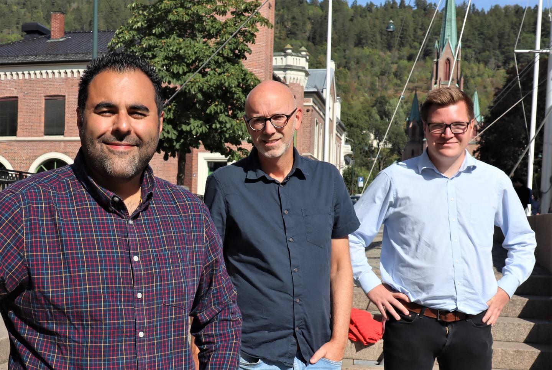 Masud Gharahkhani, stortingskandidat for Arbeiderpartiet, leder for Utdanningsforbundet i Drammen, Christian Evenshaug og Eivind Knudsen gruppeleder i Arbeiderpartiet.