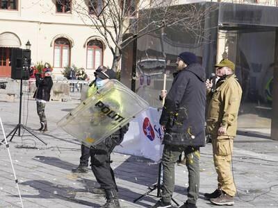 Politiet inn mot Sian-demonstrasjon i Drammen