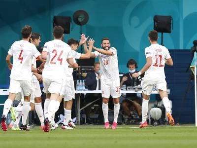 Spania til EM-semifinale etter straffeseier over Sveits