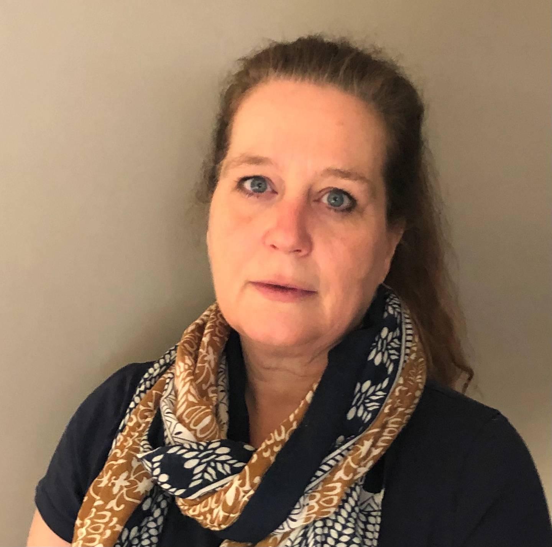 Kristin Høibakk er hovedtillitsvalgt for ansatte i skole og barnehage i Utdanningsforbundet i Drammen.