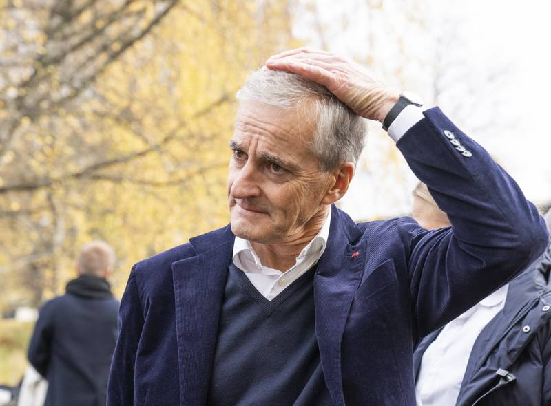 Ap-leder Jonas Gahr Støre fikk ikke fullt gjennomslag for 100-dagersplanen sin under regjeringsforhandlingene på Hurdalsjøen Hotell. Foto: Torstein Bøe / NTB