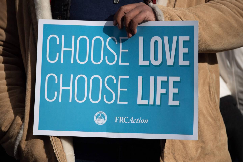 Amerikanerne som mener abort enten alltid eller nesten alltid skal være ulovlig, er i mindretall, ifølge nye meningsmålinger.