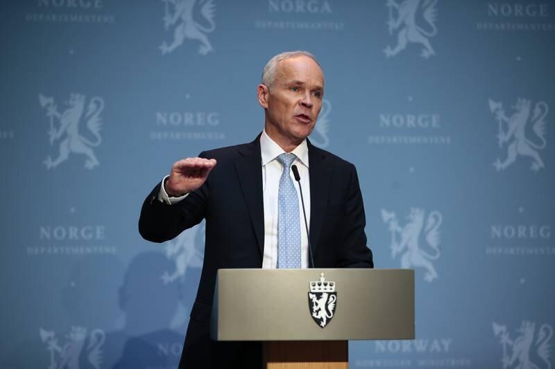 Finansminister Jan Tore Sanner (H) har stor tro på at aktiviteten tar seg opp gjennom sommeren og høsten etter et drøyt pandemiår. Foto: Jil Yngland / NTB