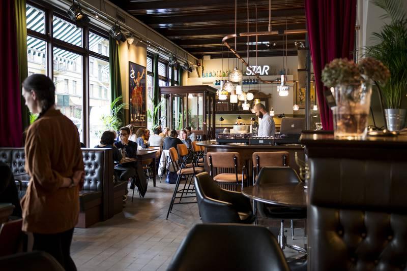Alle gode ting er tre på Tranen. Lofthus Samvirkelag og Åpent Bakeri utgjør det tredje forsøket på to år på å skape levedyktig restaurantdrift i lokalet.  FOTO: FRØYDIS FALCH URBYE