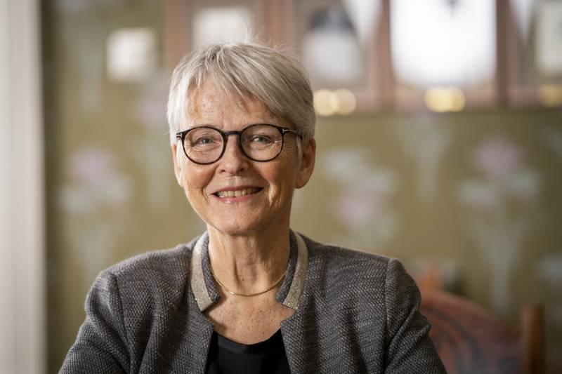 Tidligere kulturminister og stortingsrepresentant for Sp, Anne Enger, ble kjent som «nei-dronninga» under EU-kampen. Nå håper hun på en flertallsregjering med Sp, Ap og SV. Foto: Heiko Junge / NTB