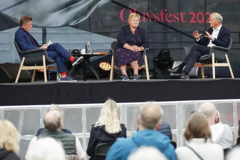 Statsminister Erna Solberg (H) og Ap-leder Jonas Gahr Støre møttes fredag til samtale på Olavsdagene i Trondheim. Foto: Beate Oma Dahle / NTB