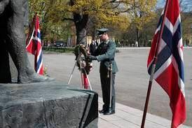 Statsministeren og kronprinsen markerte frigjørings- og veterandagen