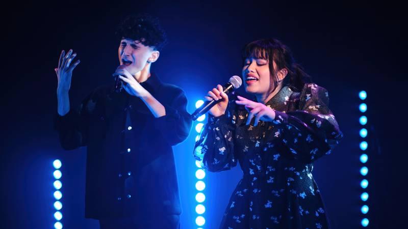 Shad Amin og Victoria Say spiller inn musikkvideo i regi av Fargespill Østfold.