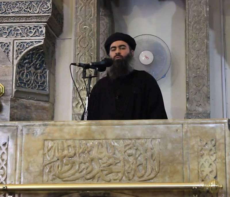 Da IS-leder Abu Bakr al-Baghdadi i 2014 erklærte sin egen stat i Syria og Irak, og utnevnte seg selv til kalif og lederen av verdens muslimer, brøt al-Qaida all kontakt.