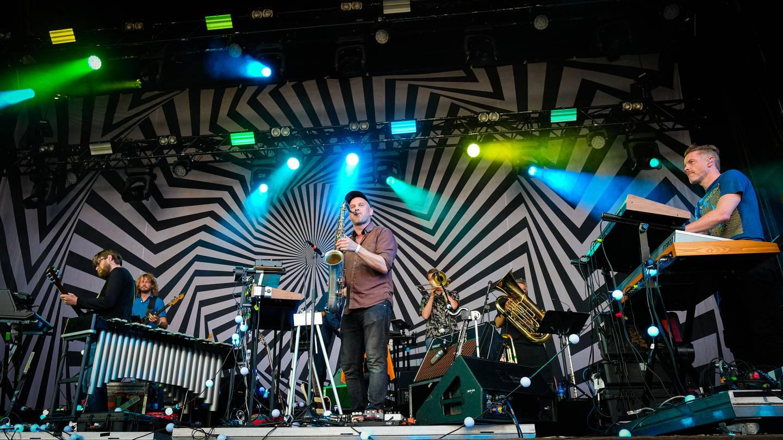Jaga Jazzist var hovednavnet på Øyafestivalen 2021, et band som også spilte på den aller første Øyafestivalen da den ble arrangert på Kalvøya.
