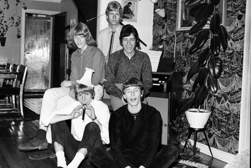 New Beatnicks høsten 1966: Kjell Asperud og Truls Lorck foran. Andre rekke: Terje Andresen og Svein Finjarn. Bak: Finn John Andresen. FOTO: SVEIN BOYE ANDERSEN