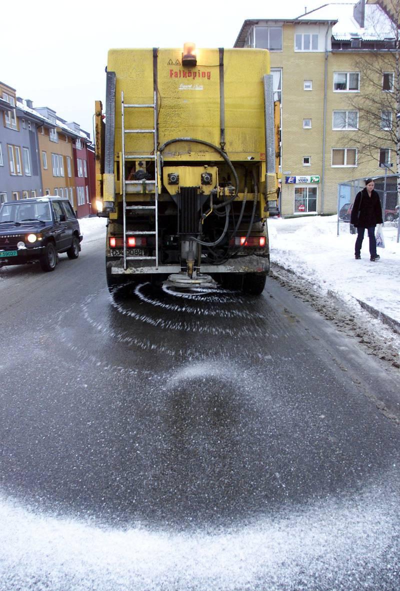 SALT: I 2015 ble det strødd 4.983 tonn salt i Oslos gater. I fjor har det økt til 12.811 tonn.
