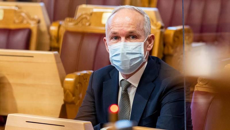 Oslo 20201118.  Finansminister Jan Tore Sanner (H) under den muntlige spørretimen på Stortinget onsdag. Foto: Heiko Junge / NTB