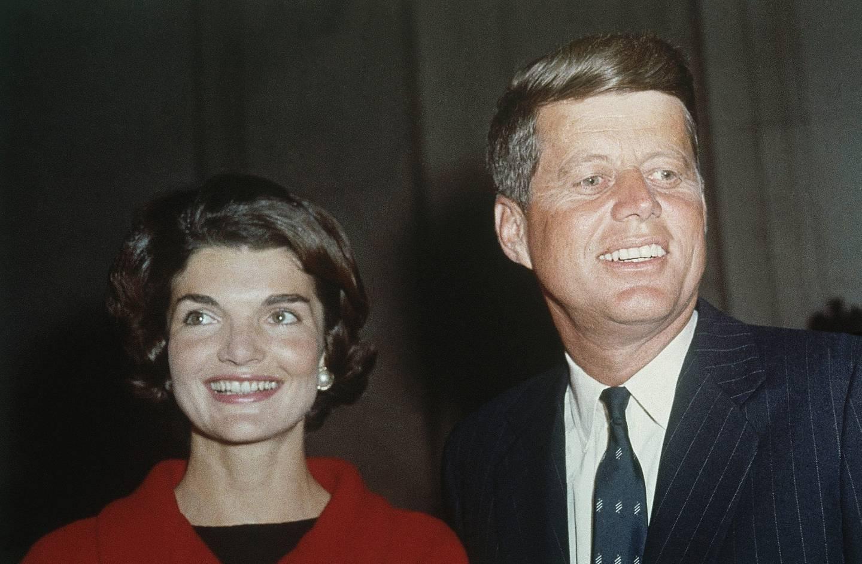 John F. Kennedy giftet seg med Jacqueline Lee Bouvier i 1953. Her et bilde fra 1961.