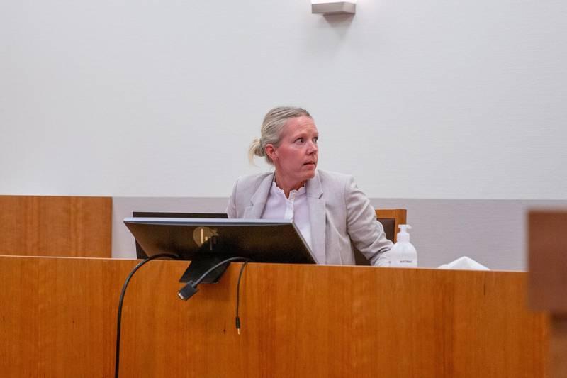 – Spørsmålet om tilregnelighet vil være gjenstand for bevisførsel i retten, sier forsvarer Sille Heidar. Her fra det første fengslingsmøtet i Moss tingrett.