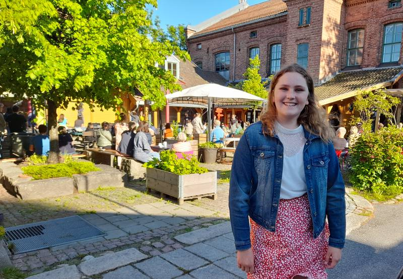 """Vinner av skrivekonkurransen """"Få ut finger'n"""", Alvilde Kaspersen (13)."""