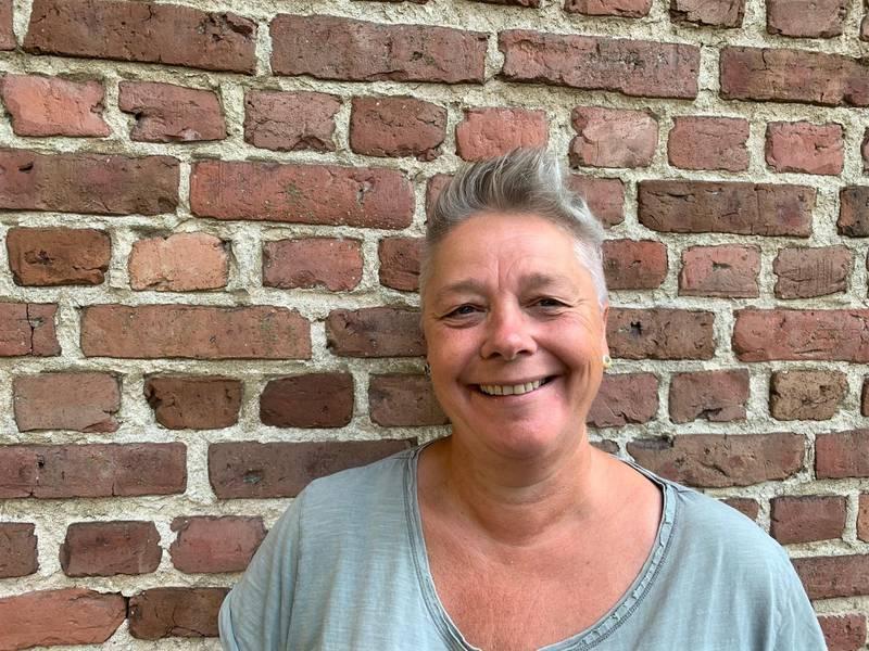 Artist og manusforfatter, Desirèe Ulvestad-Grandahl, deler sine beste romjulsminner: – Fra jeg var sånn «ca. gammel nok» he he, så måtte jeg på konsert med Aunt Mary eller Clink, eller begge deler.