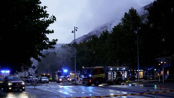 Tre kvinner alvorlig skadd etter eksplosjon i bygård i Göteborg