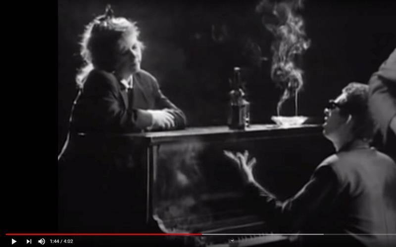 Kirsty MacColl og Shane MacGowan i videoen til «Fairytale Of New York». Foto: Skjermdump