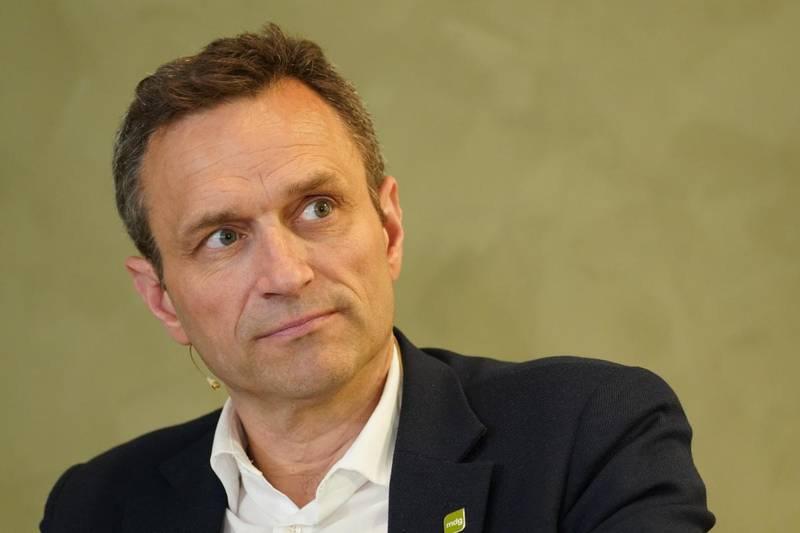 Oslos byutviklingsbyråd Arild Hermstad (MDG) mener det er direkte pinlig av kommunaldepartementet å stikke kjepper i hjulene for Oslos klimakrav til anleggsmaskiner.