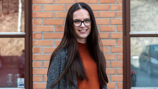 Maria (24) får sentral rolle i fylket hun vil bli kvitt