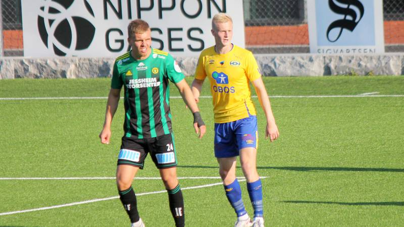 Jens Husebø og Ull/Kisa la seg veldig lavt mot Grorud, slik at det var lite Oscar Aga fikk utrettet, selv om Obosligaens toppscorer hadde en heading i stolpen.