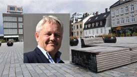 «Det er forunderlig at naboene, ifølge Olsen, nå mener det er greit å tildekke hele Dampskipsbrygga i sju-åtte uker i sommerferien»