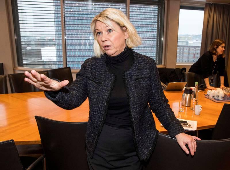 Monica Mæland, kommunal- og moderniseringsminister, svarte «et tydelig nei» da hun ble spurt om kommunene vil få kompensasjon for økte utgifter til sosialhjelp.