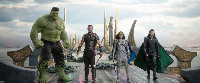 I filmen «Thor: Ragnarok» var Loke på Thor og Hulkens side i kampen for Åsgård. I TV-serien er han derimot den gode, gamle guden for list og svikefullhet.