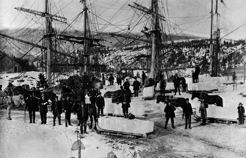 SALT IS CIRKA 1900: Isskjæring foregikk også i fjorden. Antakelig var ikke den isen særlig populær i drinker. FOTO: UKJENT PERSON/OSLO MUSEUM