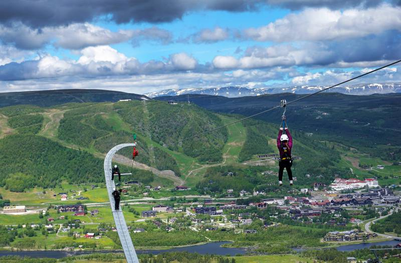 Jiiiiha! Den nye ziplinen på Geilo skal være den lengste i Nord-Europa, og byr på en flygetur på 1,1 kilometer. ALLE FOTO: CHRISTINE BAGLO
