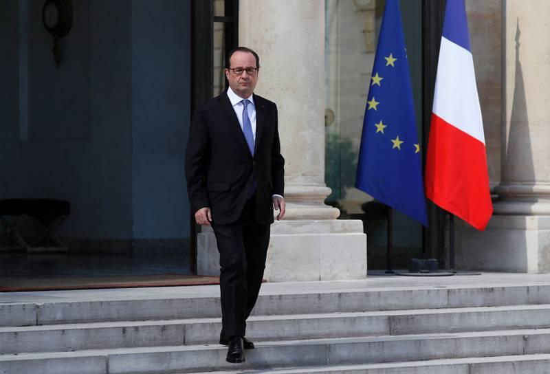 STOR SORG: Frankrikes president François Holland har erklært tre dagers landesorg etter at minst 84 mennesker ble drept i Nice torsdag.  FOTO: Christophe Petit Tesson