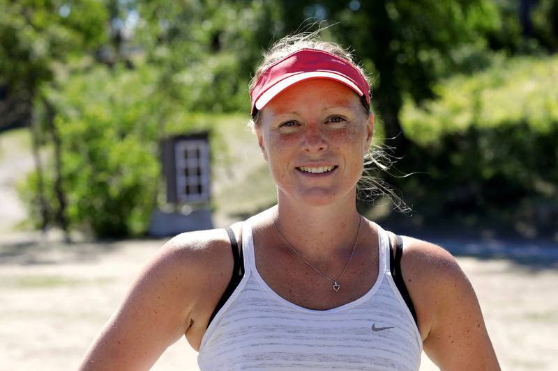 Muskelfysiolog og personlig trener Helene Høimyr (36) gir tips til deg som ønsker å komme i gang igjen med trening etter nedstenginga.