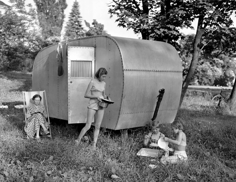 Campingkulturen i Norge startet med små vogner, som gradvis har vokst seg større opp gjennom årene. Nå er lite og reisevennlig igjen populært. Foto: Jan Stage/NTB scanpix