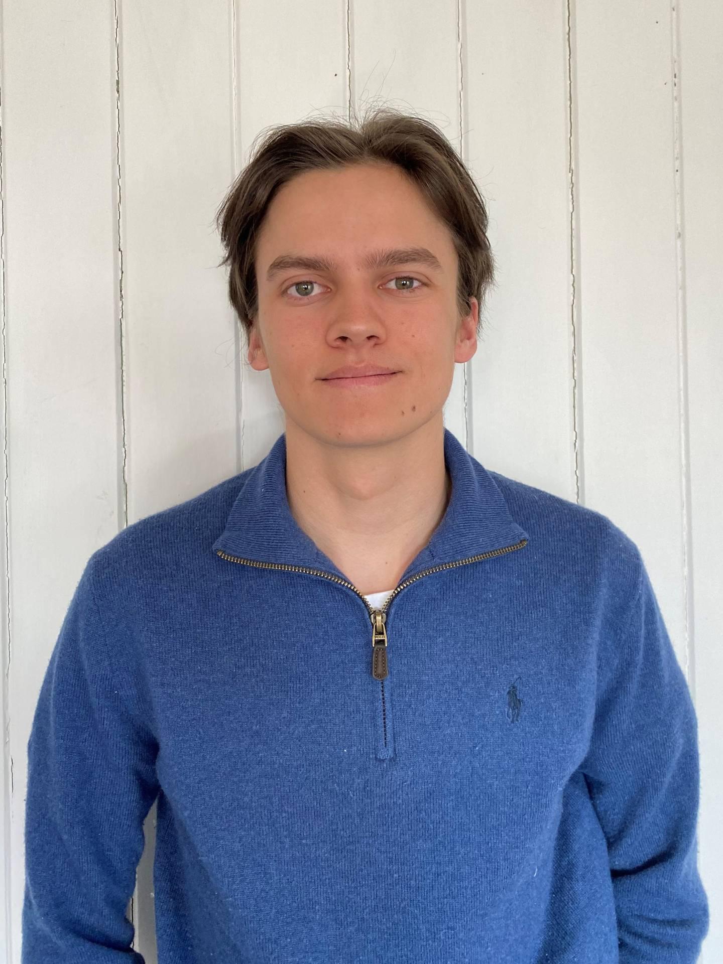 Leder av Fredrikstad ungdomsråd, Emil Røgeberg.