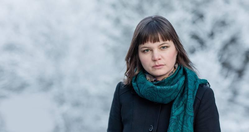 Guri Sørumgård Botheims første diktsamling heter «Heime mellom istidene». Den handler om å flytte fra landet til byen,     og lure på om man har valgt rett. FOTO: BENEDIKTE SKARVIK/SAMLAGET