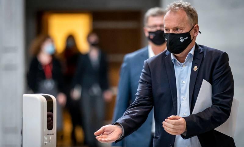 Oslo 20210217.  Byrådsleder Raymond Johansen orienterer om koronasituasjoen og hvilke tiltak som vil gjelde i Oslo fremover. Foto: Heiko Junge / NTB
