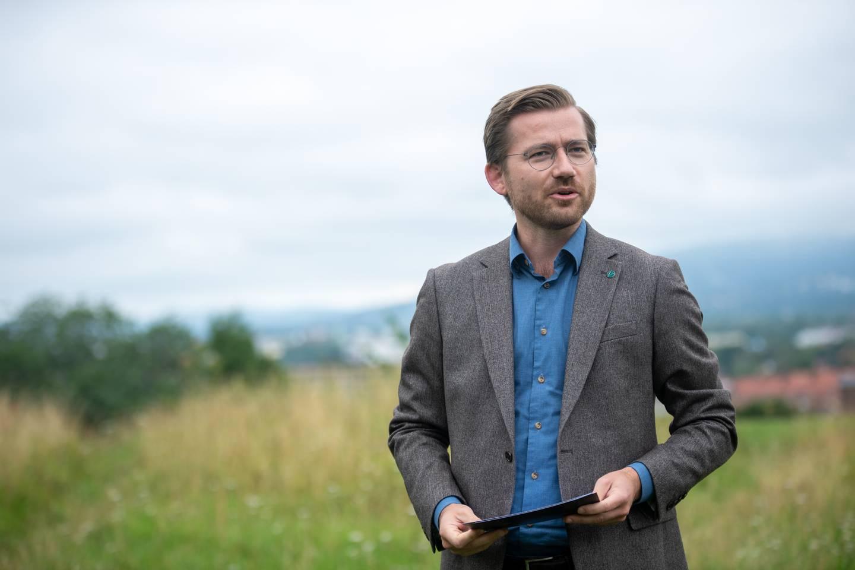 Klima- og miljøminister Sveinung Rotevatn (V).
