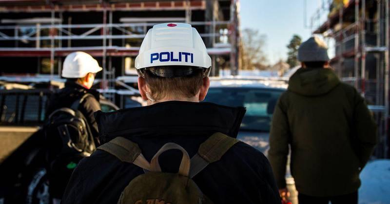 Da FriFagbevegelse var med a-krimsenteret i Oslo med på kontroll i 2018, var politiet med. Men fra og med desember i fjor må politiet vente på utsiden av gjerdet ved a-krimkontroller.