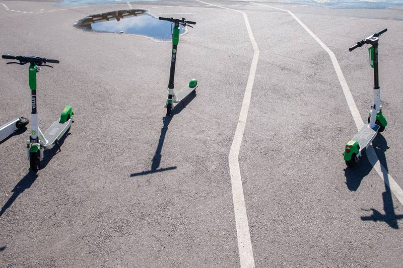 Elsparkesykler i Oslo sentrum av merket Lime. Foto: Annika Byrde / NTB