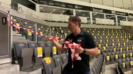 Sjekk videoen: Nå ryker sperrebåndene i DNB Arena
