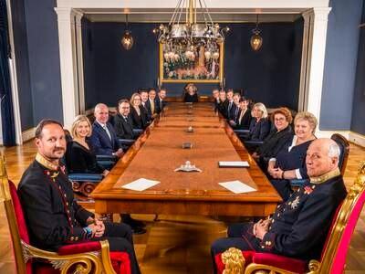 Solberg-regjeringen har søkt kongen om avskjed