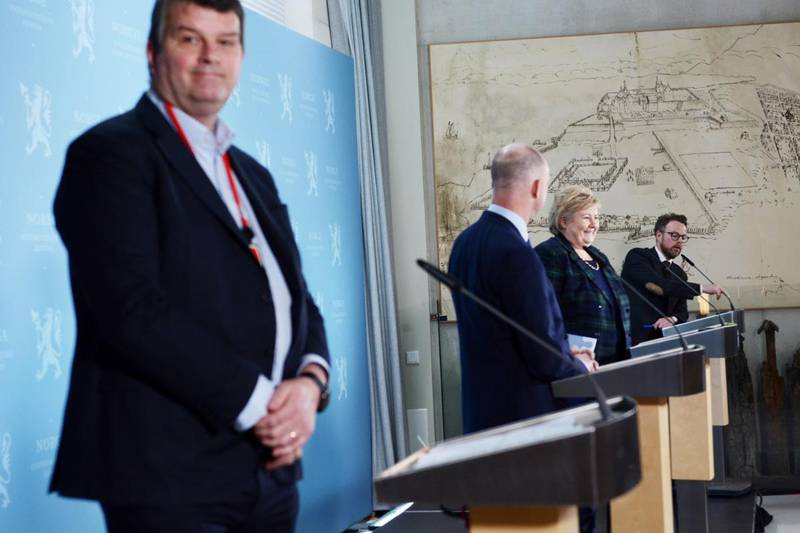 LO-leder Hans-Christian Gabrielsen mener at regjeringen må gi politiet hjemler til å delta på a-krimkontroller. Mandag la regjeringen fram sin strategi mot arbeidslivskriminalitet.