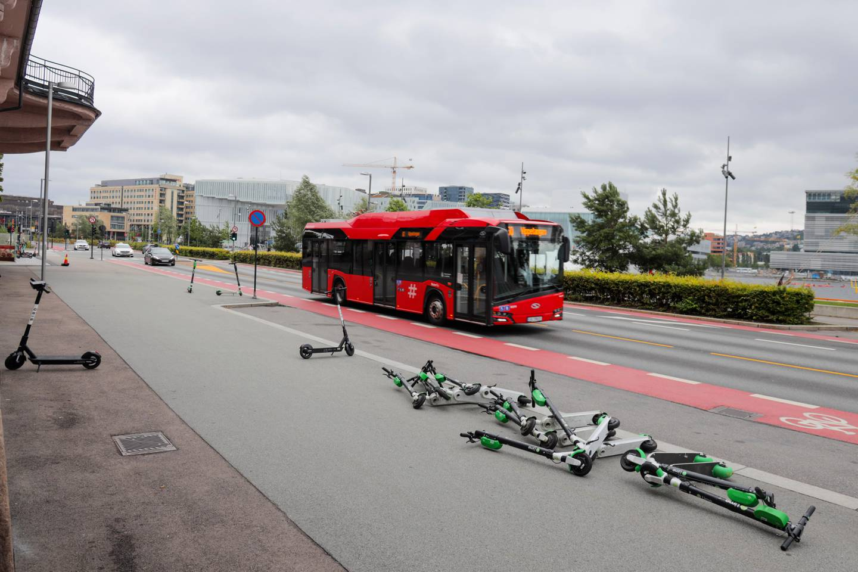 Oslo 20200718.  El-sparkesykler rundt omkring i bybildet. Foto: Ørn E. Borgen / NTB scanpix