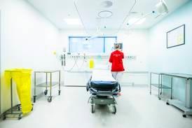 Uvaksinert helsepersonell kan bli omplassert