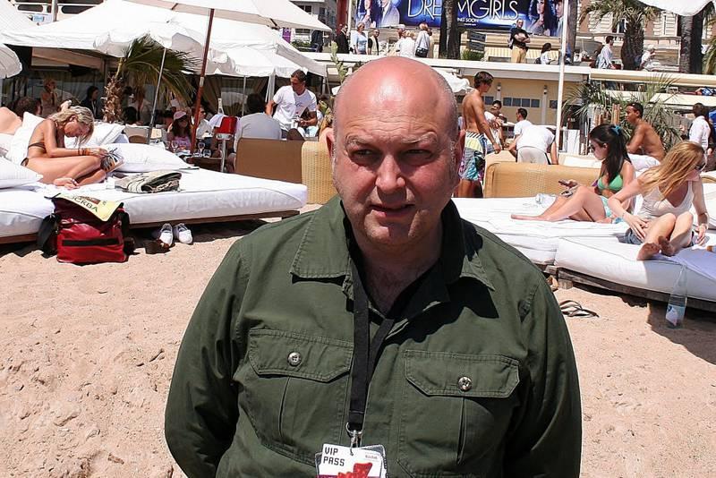 En av de mange norske i Cannes i de senere år, Christopher Nielsen, øver på misfornøyelsessmilet under lanseringen av «Free Jimmy».