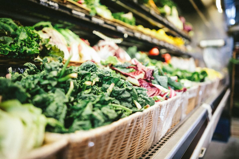 Grønnsaker i butikk