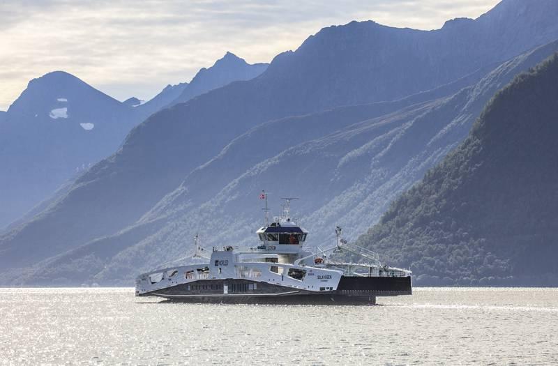 """Norled og NHO krever strengere krav til klima fra det offentlige. Dette er Norleds bilferge MF """"Solavågen"""", som trafikkerer ruten Solavågen - Festøya i Møre og Romsdal."""